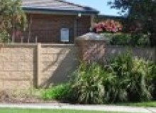 Kwikfynd Barrier wall fencing windsorsa